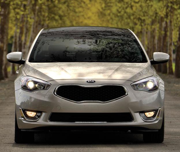 2014 Kia Cadenza Interior: AUTO REVIEW: New Premium Sedan: 2014 Kia Cadenza